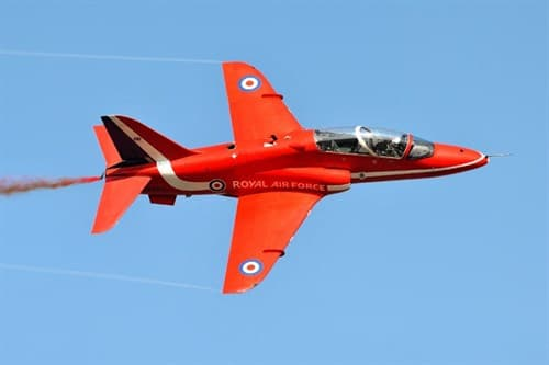 "Самолет  Hawk T1A ""Red Arrows"" (1:48) - фото 20994"