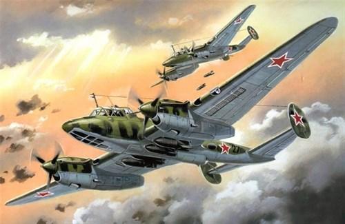 Пикирующий бомбардировщик Пе-2 (1:72) - фото 22096