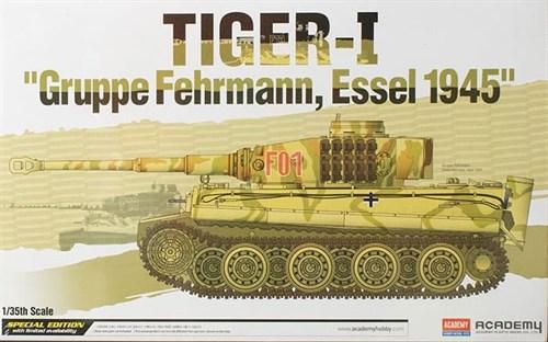 """Танк TIGER-I """"Gruppe Fehrmann, Essel 1945""""  (1:35) - фото 36460"""