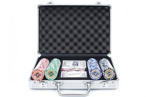 """""""Crown 200"""",  Профессиональный набор для игры в покер.  200фишек по 14 грамм. 2 колоды карт  с пластиковым покрытием. - фото 39346"""