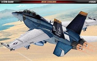 """САМОЛЕТ USN F/A-18F """"VFA-103 JOLLY ROGERS"""" (1:72)"""