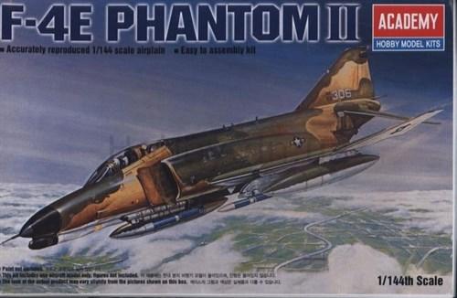 Купите Самолет  F-4E PHANTOM II (1:144) в интернет-магазине «Лавка Орка». Доставка по РФ от 3 дней.