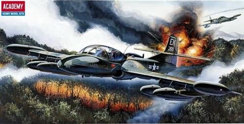 Купите Самолёт  A-37B Dragon Fly (1:72) в интернет-магазине «Лавка Орка». Доставка по РФ от 3 дней.