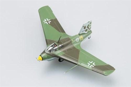 Купите Самолёт  Me-163 B-1a, жёлтый 15 (1:72) в интернет-магазине «Лавка Орка». Доставка по РФ от 3 дней.