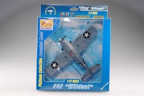 """Купите Самолет F4F-3 """"Уалдкэт"""" VМF-223 USМС 1942 г. (1:72) в интернет-магазине «Лавка Орка». Доставка по РФ от 3 дней."""