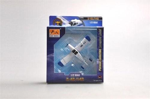 Купите Самолёт  Zlin Z-42 (1:72) в интернет-магазине «Лавка Орка». Доставка по РФ от 3 дней.