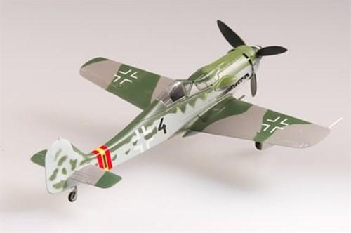 """Купите Самолет  """"Фокке-Вульф"""" FW-190D-9 III./JG54 1944г. (1:72) в интернет-магазине «Лавка Орка». Доставка по РФ от 3 дней."""