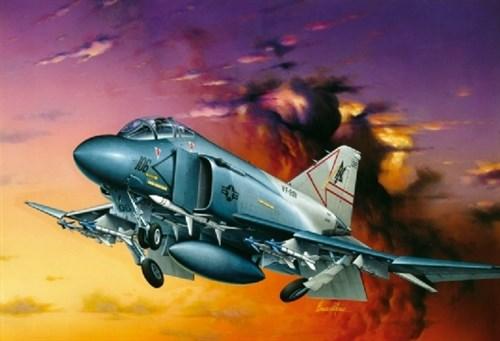 Купите Самолет  F-4S PHANTOM II (1:72) в интернет-магазине «Лавка Орка». Доставка по РФ от 3 дней.