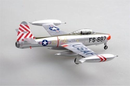 """Купите Самолет  F-84E, """"SANDY"""", 9th FBS, 49th FBW, 1951 (1:72) в интернет-магазине «Лавка Орка». Доставка по РФ от 3 дней."""