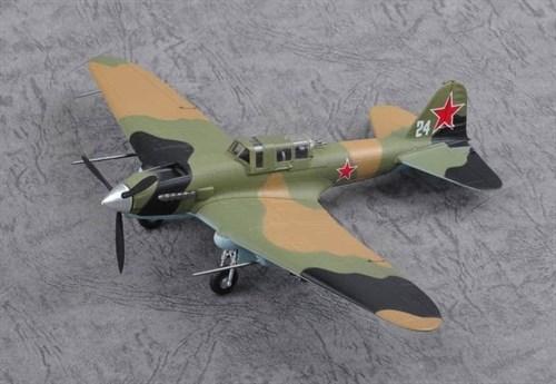 """Купите Самолет  IL-2M3 """"White 24"""" (1:72) в интернет-магазине «Лавка Орка». Доставка по РФ от 3 дней."""