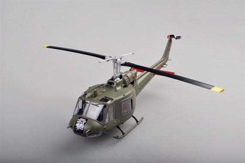 Купите Вертолет  UH-1C Army (1:48) в интернет-магазине «Лавка Орка». Доставка по РФ от 3 дней.