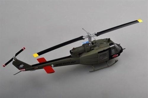 Купите Вертолет  UH-1C, 120th AHC, 3rd platoon,1969 (1:48) в интернет-магазине «Лавка Орка». Доставка по РФ от 3 дней.