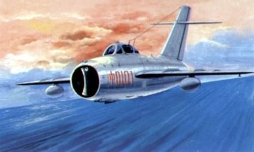 Купите Самолет  МиГ-17Ф (1:32) в интернет-магазине «Лавка Орка». Доставка по РФ от 3 дней.