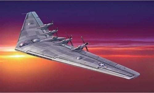 """Купите Самолет  XB-35 """"Flying Wing"""" (1:72) в интернет-магазине «Лавка Орка». Доставка по РФ от 3 дней."""