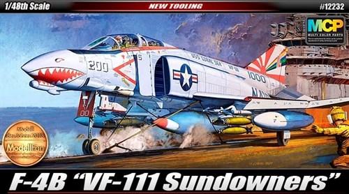 Купите Самолёт  F-4B Sundowners (1:48) в интернет-магазине «Лавка Орка». Доставка по РФ от 3 дней.