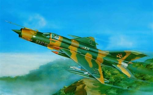 Купите Самолет  МиГ-21МФ (1:32) в интернет-магазине «Лавка Орка». Доставка по РФ от 3 дней.
