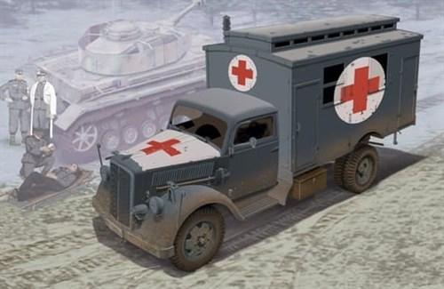 German Ambulance Truck  (1:35) - фото 63788