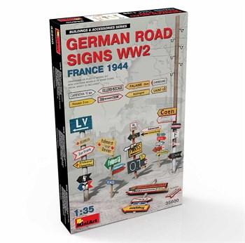 Наборы для диорам  GERMAN ROAD SIGNS WW2 (FRANCE 1944)  (1:35)