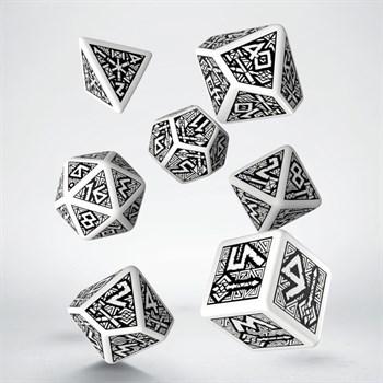 Набор игральных костей Дворфы:белый/черный (7 шт.)