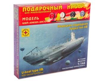Немецкая  подводная  лодка  тип  IIB (1:144)