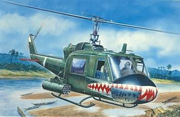 Вертолет  UH-1C  GUNSHIP (1:72)