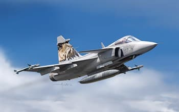 Самолет  Jas 39 Gripen (1:72)