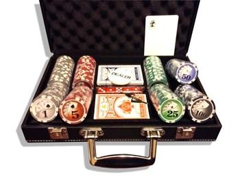 """""""Royal Flash 200L"""", Набор для покера в кожаном кейсе."""