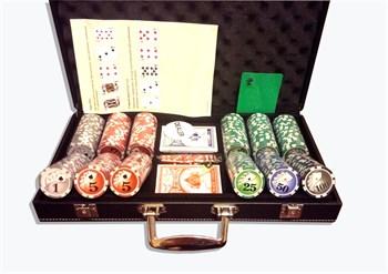 """""""Royal Flash 300L"""", Набор для покера в кожаном кейсе."""