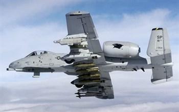 Купите Самолёт  A-10A/C Thunderbolt II (1:72) в интернет-магазине «Лавка Орка». Доставка по РФ от 3 дней.