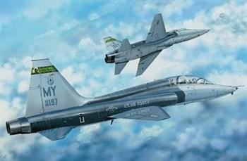 Купите Самолёт  Т-38С TALON II (1:48) в интернет-магазине «Лавка Орка». Доставка по РФ от 3 дней.