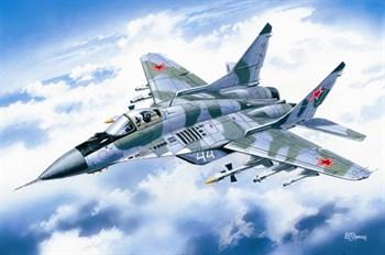 Купите Современный российский фронтовой  истребитель тип 9-13 (1:72) в интернет-магазине «Лавка Орка». Доставка по РФ от 3 дней.