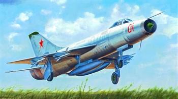 Купите Самолет  Советский Su-9 Fishpot (1:48) в интернет-магазине «Лавка Орка». Доставка по РФ от 3 дней.