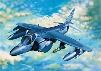 """Купите Самолет  AV-8B """"Харриер"""" II плюс (1:32) в интернет-магазине «Лавка Орка». Доставка по РФ от 3 дней."""