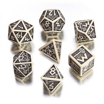 Набор кубиков «Dwarven Dice» бежевый