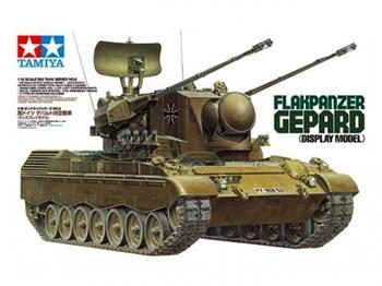 Немецкий зенитный бронетранспортер Gepard с одной фигурой
