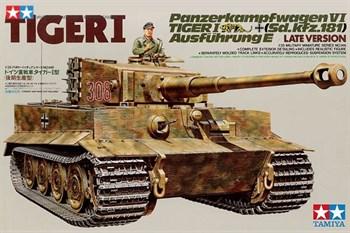 Танк TIGER I Ausf.E (поздняя версия) c наборными траками и командиром (2 варианта вида пушки)