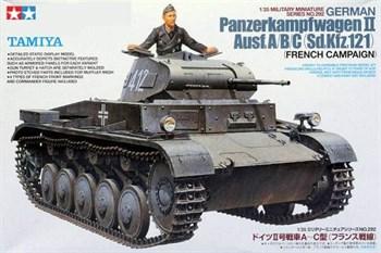 Танк Pz.Kpfw II  Ausf А/B/C с одной фигурой, наборные траки, доп.броневые листы, фототравление, четыре варианта декалей