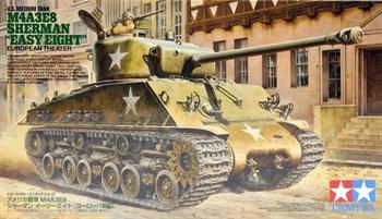 """Американский танк Medium Tank M4A3E8 Sherman - """"Easy Eight"""" European Theater с фигурой командира. В комплекте виниловые траки."""