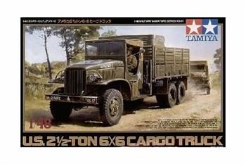 1/48 Амер. 2.5-тонный грузовик 6х6, фигура водителя, 2 вар-та декалей.