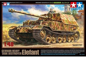 1/48 Немецкое противотанковое самоходное орудие Elefant с одной фигурой