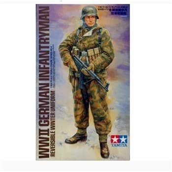 1/16 WWII INFANTRYMAN (Reversible winter uniform)