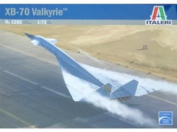 """Самолет  XB-70 """"Валькирия"""" (1:72)"""