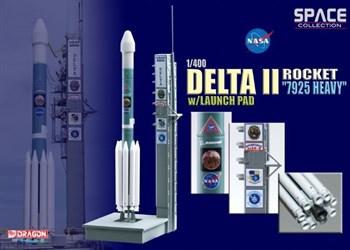 "Космос  Delta Ii Rocket ""7925 Heavy"" W/Launch Pad  (1:400)"