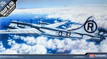 """Самолёт B-29A """"ENOLA GAY & BOCKSCAR""""  (1:72)"""